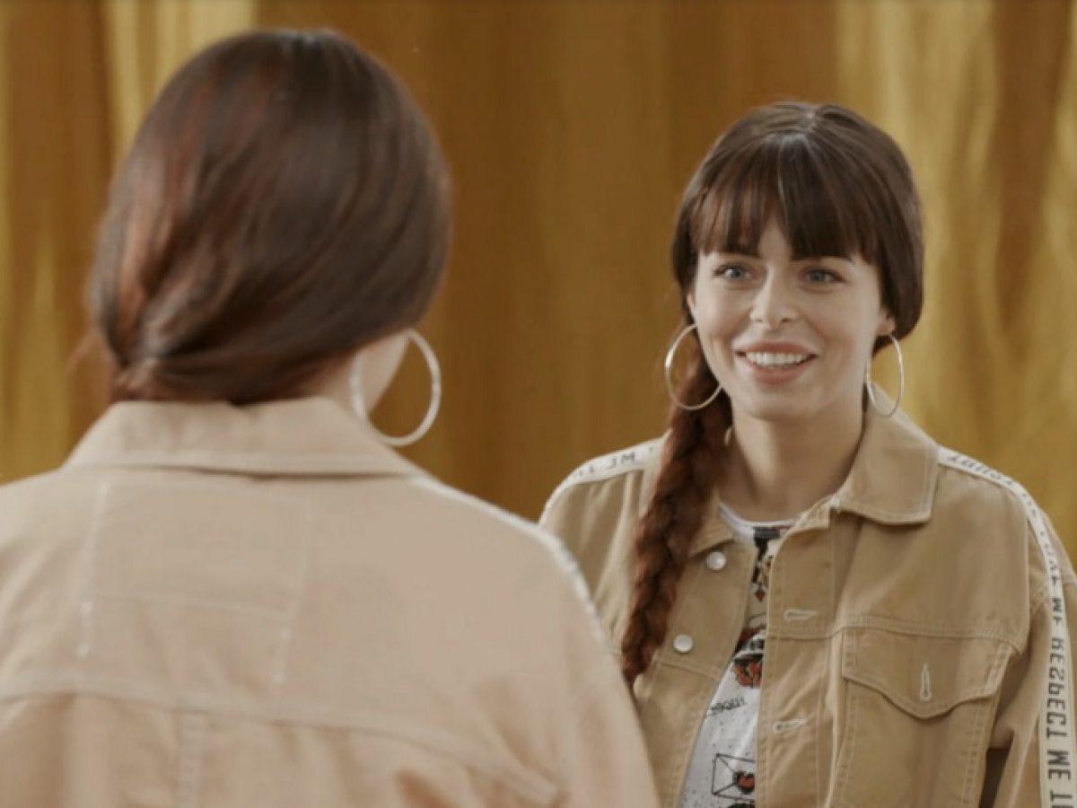 Randka z nieznajomym to program, w którym cztery obce sobie osoby spotykają się na.