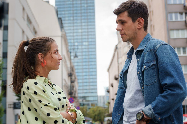 Zawsze warto Czy zauroczony Adą policjant Marcin jest w związku z inną kobietą!
